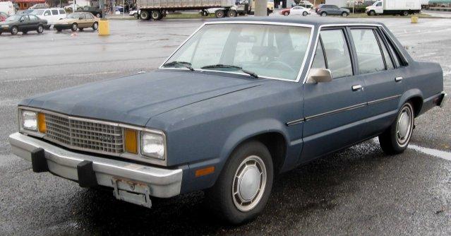 Ford_Fairmont_sedan_2