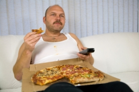 Man_eating_pizza_photo