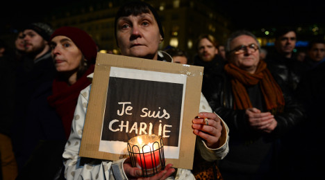1420657096_charlie.hommage.2.candle.afp