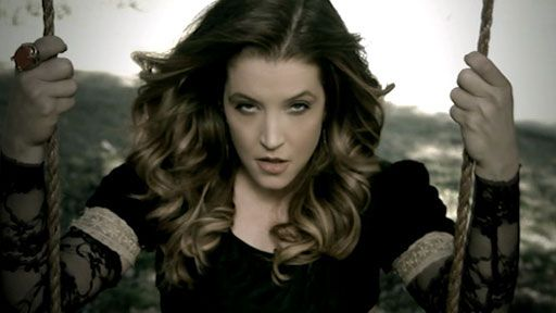 lisa-marie-presley-you-aint-seen-nothin-yet